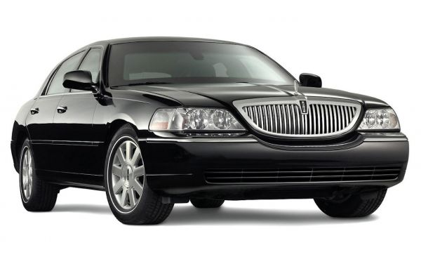 Lincoln Town Car Service in Great Neck